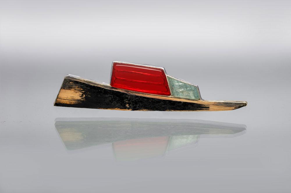goodwood-exhibition-anna-fanigina-brooch-ships