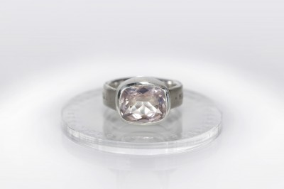 splendor-ring-rose-quartz-ljubovj-est-zhiznj