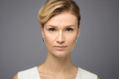 verba-blue-earrings-topaz-splendor