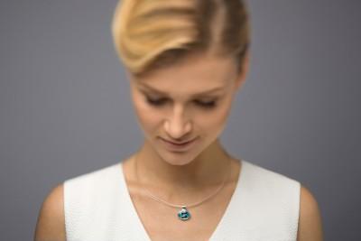 verba-blue-topaz-splendor-pendant