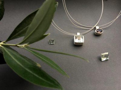 verba-pendants-stones