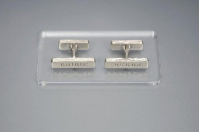 verba-cuff-links